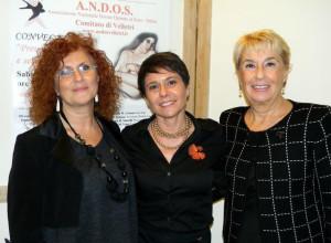 Da sinistra: la coordinatrice dell'ANDOS Onlus Nazionale Dr.ssa Fulvia Pedani, la Presidente di ANDOS Velletri  Ombretta Colonnelli e la Presidente dell'ANDOS Onlus Nazionale Dr.ssa Flori Degrassi
